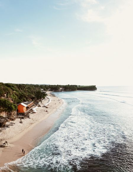 2 accommodation types for family in Bali that is located around the beach