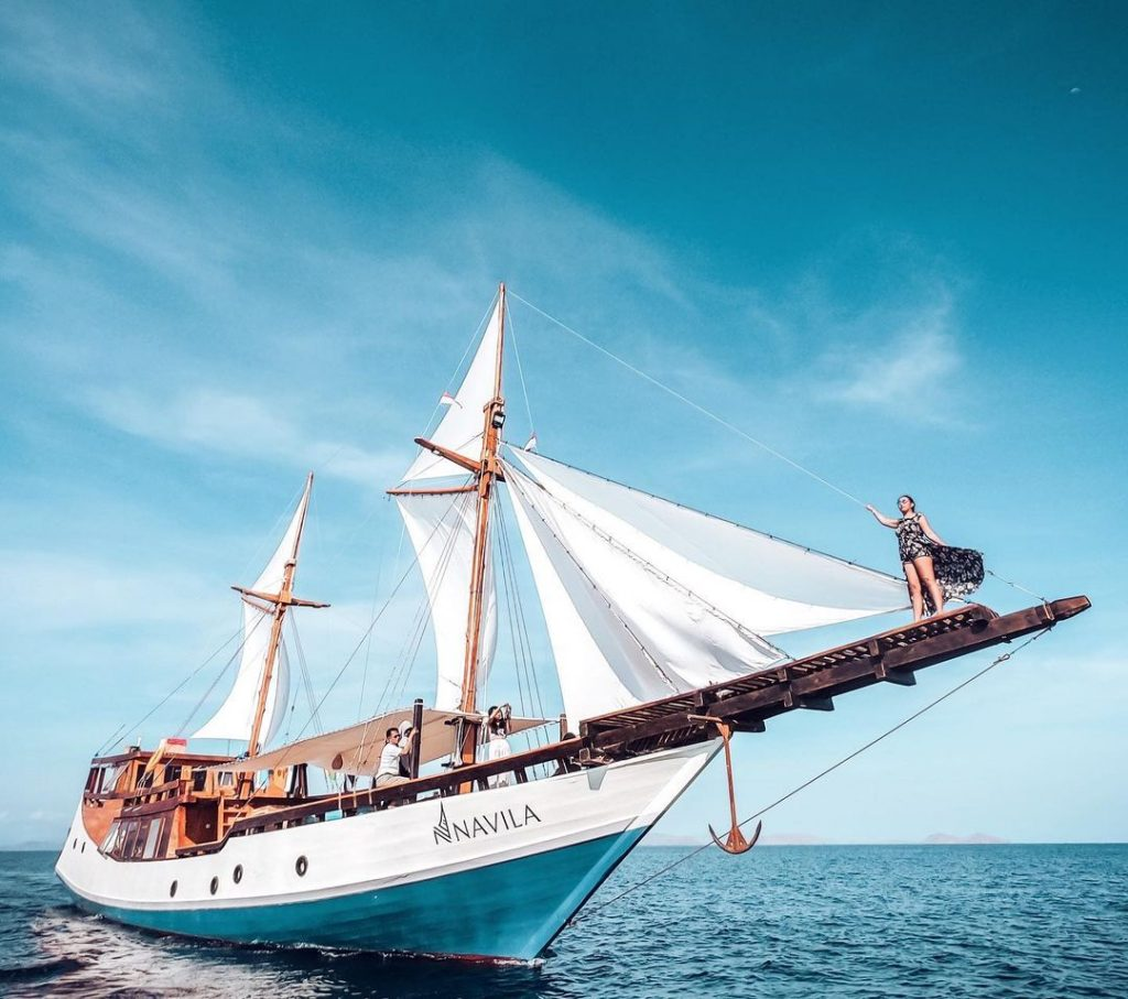 Experience Komodo Cruise to Exotic Indonesia Islands for the First Time