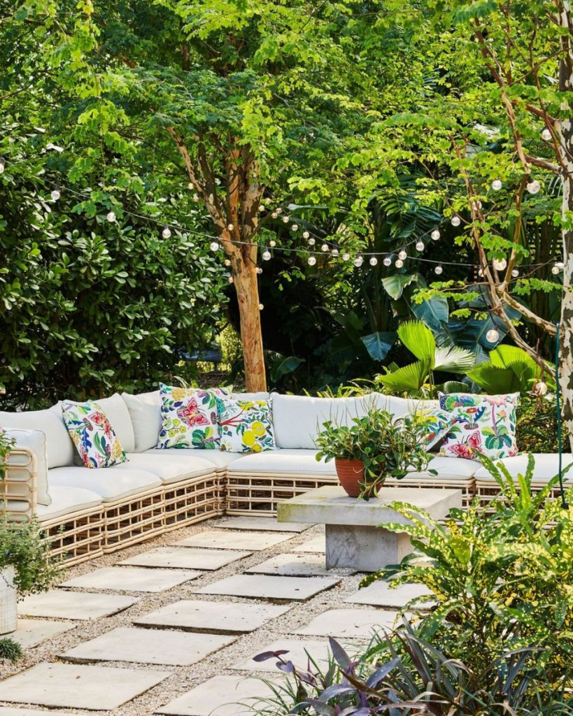 Relaxed Outdoor Sitting Room